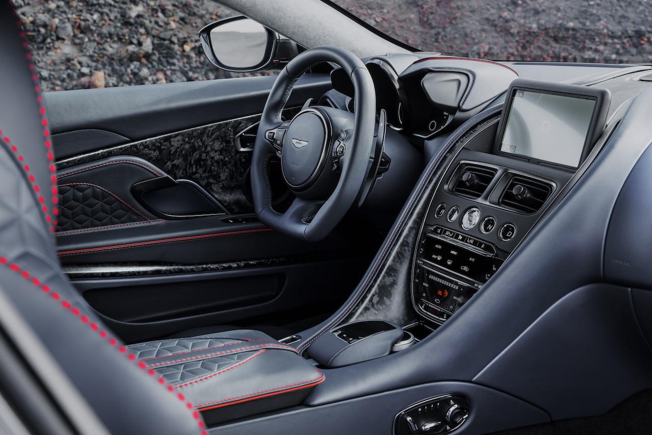 Aston-Martin-DBS-Superleggera-2